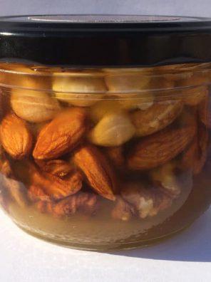 Мёд с орешками ассорти