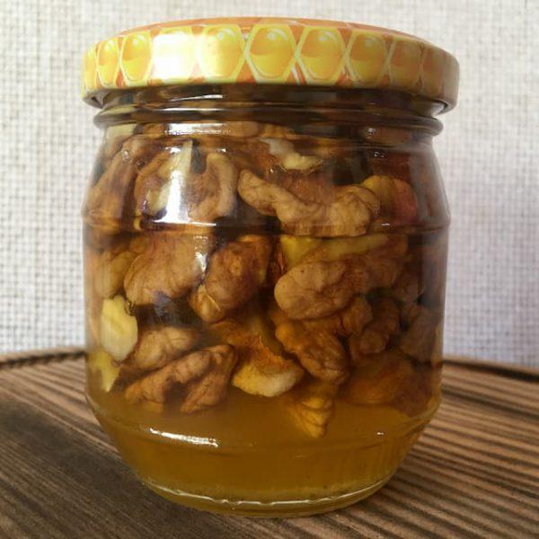 Грецкие орехи в меду 200 мл